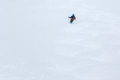 200hm über dem Lombardibiwak sind wir wieder unter den Wolken...und finden Pulver! Das wars dann aber mit gutem Schnee: Bruchharsch und schwerer Sulz wechseln sich bis zur Berglerhütte ab