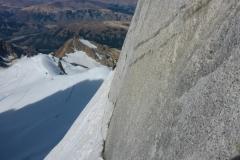 Die Umgehung nimmt kein Ende. Klettern im Eis, sichern im Fels. Der längste Quergang meines Lebens:)