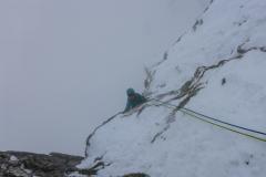 Weiter gehts, ein Riesenspass im Schnee! Ich baue einen Verhauer, peinlich trotz Spuren und muss improvisieren...das kostet Zeit