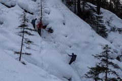 Den Klettergarten im Möselegraben erreicht man durch abseilen