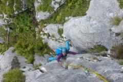 Die schwere Seillänge (6+); gut gesichert und wer spreizt kann eigentlich ersthaft wo hin fallen...