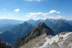 raus läufts mit zwei kleinen unterbrechungen im Gehgelände. Die Bergsteigen.at Beschreibung ist präzise