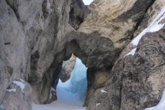 Die Perla wieder runter bis zur Abzweigung und noch durch den Tunnel
