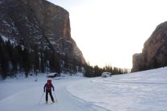 Ski sind von Vorteil...mit nur 30m skaten rutscht man bis vors Auto zurück