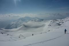 über wenig steile Böden weiter auf den Geier (2857m)