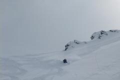 runter wieder Traumpulver:). Aber Vorsicht: wer nach Hochfügen will nicht zu tief abfahren. Wir haben hier Mist gebaut und waren viel zu Tief. Ziemlich nasser Schnee im 40° Gelände machte ungutes Gefühl...