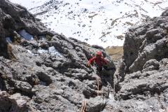 Die kletterei geht durch Kamine und Rinnen. Nie schwer und immer logisch