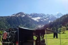 Geliebter Campingplatz in Argentière (bei Chamonix). Mit Kaiserwetter.