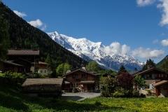 Blick von Argentière auf die Aguille de Midi und das Mont Blanc Massiv.