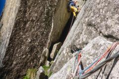 In der zweiten Länge ist die Crux der Übergang vom Kamin in die Platte...der Griff der kommt ist gut!