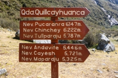 Ein Taxi bringt und zum Eingang des Quebrada Quillcayhuanca. Von Huaraz ca. eine Stunde Fahrt