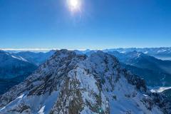 Blick zurück auf die Linderspitz. Wir wollten den Noe Steig hinunter haben das aber wegen dem Schnee und der schwierigen Wegfindung gelassen...
