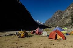 Santa Cruz Trek; Zeltplatz Llamacorral (~3890 m). Halbe Wegstrecke zum Alpamayo BC