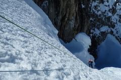 Steile Passage zum Alpamayo HC. Sicherung empfehlenswert.