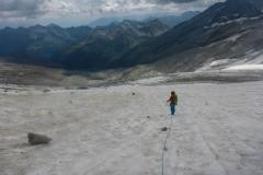 Seilabziehen und Umbau auf Gletscher geht quasi in einem und 3 Minuten später sind wir sicher