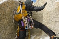 Es ist so kalt und windig das wir gar nicht darüber nachdenken kletterschuhe an, oder Handschuhe aus zu ziehen