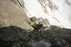 Das gute an der Austriaca: am ersten Stand im Fels kann man das ganze Eismaterial deponieren und recht leicht weiterklettern