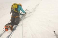 Nahezu perfekte Bedingungen: Etwas Schneeauflage, leider sprödes Eis mit vielen Dinnerplates. Sorry an die Seilschaft unter uns, das war nicht zu vermeiden:(