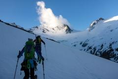 Am nächsten Morgen los zum Grossen Löffler. Eine durhaus steile, aber komplett problemlose Skitour