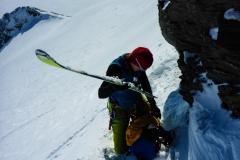 knapp untem Gipfel muss man die Ski kurz tragen weil es zu steil für die Ski ist