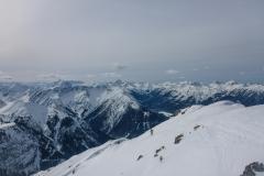 ...dann bis zum Gipfel entspannte Hänge.
