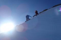 Vereiste Flanke ca. 150 Hm unter dem Gipfel des Monte Disgrazia. Es bläst uns fast vom Berg.