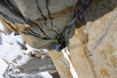 Die vorletzte Seillänge. Mit V+ auch mit Kletterschuhen durchaus zurückhaltend bewertet.