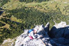 nach oben hin wird der Fels besser aber kein Vergleich mit der Westkante vom Glückturm (Torre Firenze) 200m weiter östlich