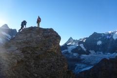Nachdem wir den Weg am Vortag erkundet hatten starten wir so dass wir mit dem ersten Licht die Kletterstellen erreichen