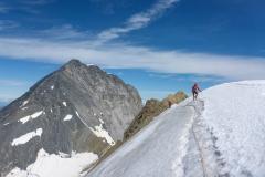 ...gefolgt vom Aufstieg zum südlichen Eigerjoch wo man das Obere Ischmeer betritt um zur Mönchjochhütte zu gehen