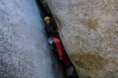 Der Einstiegskamin ist das unattraktivste was ich mich jemals hochwurschteln musste. Eher canyoning als klettern. Wir waren jedenfalls patschnass